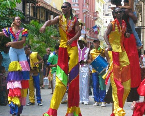 Disfruta la Fiesta en La Habana, Cuba